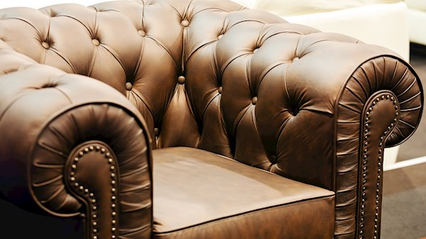 Furniture upholstery header